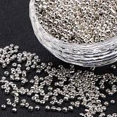 Abalorios de la semilla de cristal electrochapa, rocallas agujero redondo, Plata Plateada, 3.5~5.5 mm de diámetro, 2.5~6.8 mm de espesor, agujero: 1 mm